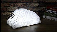 Signstek Multi-Funktional kreativ drahtlos faltbar LED Buch Lampe Tischlampe Wandlampe aus Holz mit USB-Kabel