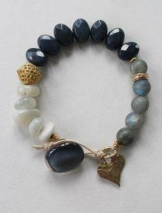 33 Beautiful Bracelet Ideas For women - Page 3 of 33 - MyOwnJewelry - Jewelry Designs & Ideas Cute Jewelry, Boho Jewelry, Jewelry Crafts, Beaded Jewelry, Jewelry Accessories, Handmade Jewelry, Fashion Jewelry, Jewelry Design, Gemstone Bracelets