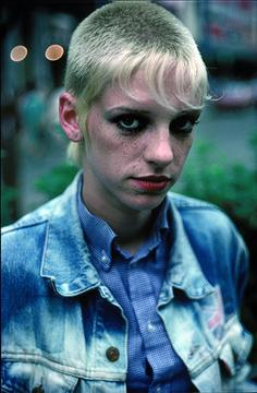 Les photos de Derek Ridgers vont vous transporter illico dans l'Angleterre de 1982 | NOISEY
