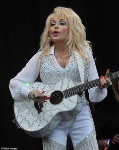 Dolly Parton at Glastonbury 2014