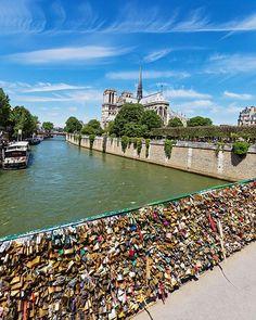 #NotreDameDeParis #Paris #lovelocks #ParisPhotography