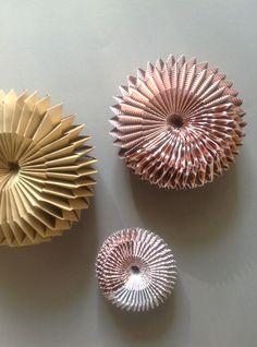Anleitung Paper Wheels, mit verschiedenem Papier und in verschiedenen Größen