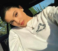 Kylie Jenner rumored to be dating rapper Travis Scott after breakup with Tyga; Kris Jenner, Kendall E Kylie Jenner, Trajes Kylie Jenner, Looks Kylie Jenner, Kylie Jenner Style, Kylie Jay, Kourtney Kardashian, Estilo Kardashian, Kardashian Jenner