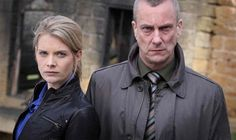Alan Banks (Stephen Tompkinson) y Annie Cabbot (Andrea Lowe), de Peter Robinson Amazon Prime Tv Shows, Amazon Prime Video, Detective, Dci Banks, Peter Robinson, Prime Movies, Tv Series To Watch, Public Television, Mystery Series