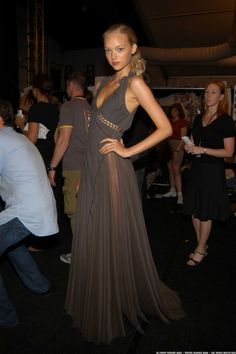 Gemma Ward, backstage at Zac Posen S/S 2006