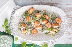 Cizrnový salát s jogurtem a lososem | Apetitonline.cz Halibut, Fresh Rolls, Sushi, Salads, Ethnic Recipes, Diet, Salad, Lettuce