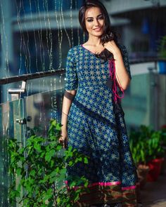 Online shopping like never before! Get the latest trends ruling the charts in India. Stylish Kurtis, Stylish Sarees, Lehenga Choli, Anarkali, Indian Dresses, Indian Outfits, Girl Fashion, Fashion Looks, Indian Goddess