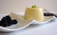 Πανακότα με γάλα καρύδας - http://www.daily-news.gr/cuisine/panakota-me-gala-karidas/