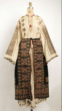 Ensemble Bitterman Museum of Art, New York Costume Institute Date: century Culture: Romanian Credit Line: Rogers Fund, 1908 Traditional Fashion, Traditional Dresses, Historical Costume, Historical Clothing, Mode Rococo, Mode Russe, Ethno Style, Costume Institute, Vintage Mode
