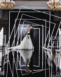 24 Cool Minimalist Wedding Decor Ideas ❤ minimalist wedding decor black white luxury ceemony thefamily pro #weddingforward #wedding #bride #minimalistweddingdecor