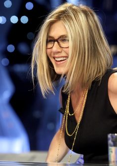 love the glasses and the hair combo celebrity hair styles 2014 Jennifer Aniston top style Oscar Hairstyles, Long Bob Hairstyles, Great Hairstyles, Celebrity Hairstyles, Short Haircuts, Popular Haircuts, Hairstyles For Over 40, Glasses Hairstyles, 2014 Hairstyles