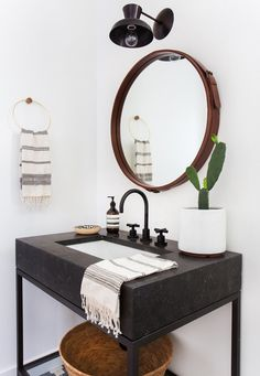 Small Bathroom Remodel Ideas for Washing in Style 2018 Shower ideas bathroom Bathroom tile ideas Small bathroom decor Master bathroom remodel Small bathroom storage Guest bathroom Saving And After Men Renters Bad Inspiration, Bathroom Inspiration, Home Interior, Bathroom Interior, Bathroom Furniture, Eclectic Bathroom, Modern Boho Bathroom, Modern Sink, Industrial Bathroom Vanity