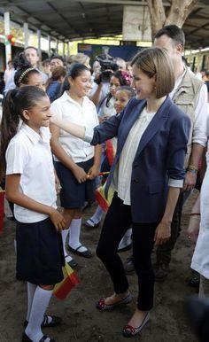 Doña Letizia llega al corazón de El Salvador - Foto 8