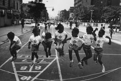 raymond-depardon-harlem-new-york-1981.jpg