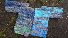 Lindevrouwsweb: Haakpatroon Babyvestje Fingerless Gloves, Arm Warmers, Crochet Baby, Diy Crafts, How To Make, Baby Things, Fashion, Bebe, Fingerless Mitts