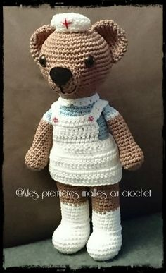 L'oursonne infirmière - Mes premières mailles au crochet Teddy Bear, Toys, Ann, Animals, Crochet Horse, Crochet Eyes, Doll Tutorial, Amigurumi Tutorial, Male Nurse