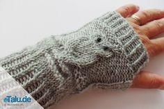 Knit arm warmers - simple DIY instructions for owl patterns - Talu.de - Hand- S. Knit arm warmers - simple DIY instructions for owl patterns - Talu. Knitting Websites, Knitting Blogs, Easy Knitting, Knitting Socks, Knitted Hats, Knitting Patterns, Crochet Patterns, Knit Socks, Tricot Simple