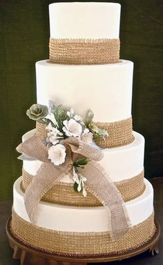 burlap wedding cake