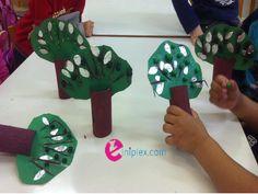 Ελαιόδεντρα στην τάξη (κατασκευή ελιάς) Kindergarten, Preschool, Classroom, Oil, Activities, Greek, Crafts, Craft Ideas, Play