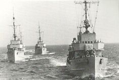 Three German M35 minesweepers at sea, date and place unknown. These ships not only performed mine-clearing and mine-laying duties, they also escorted small coastal convoys and were used for anti-submarine patrols as well.