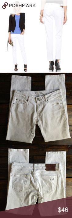 """DL1961 Riley Boyfriend Fit in Skinny leg white In perfect condition DL 1961 Riley Boyfriend format jeans in Milk / White   MEASUREMENTS Waist: 15"""" Hips: 20"""" Rise: 8"""" Leg Opening: 6.25"""" Inseam: 29.5""""  Fabric Content:   ••  As always I follow all Postmark rules & No trades. Please make all offers through the offer button - lots of love girls! DL1961 Jeans Boyfriend"""