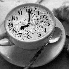 Never 2 Late 4 Latte ; Cappuccino Art, Coffee Latte Art, Cappuccino Machine, I Love Coffee, Coffee Cafe, Coffee Drinks, Coffee Shop, Coffee Girl, Good Morning Coffee