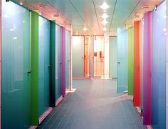 Aseos en color
