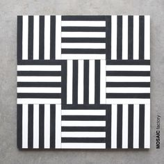 Decorative cement tile with white and black stripes from Mosaic Factory that can… Dekorative Zementfliese mit weißen und schwarzen Streifen … Geometric Shapes Art, Geometric Drawing, Geometric Lines, Black And White Quilts, Black And White Lines, Geometry Art, Illusion Art, Diy Canvas Art, Grafik Design