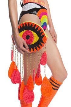 Bold eye catching (LOL) clutch bag in bright vibrant orange and black. Diy Fashion, Fashion Bags, Japan Fashion, Street Fashion, Eye Makeup Blue, My Bags, Purses And Bags, Discount Universe, Hamsa Hand