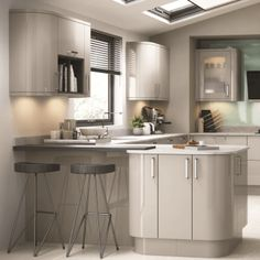 Kitchen Stori Zola Gloss in Cashmerefrom Homecare Showroom Darlington covering North Yorkshire Teesside and County Durham Luxury Kitchen Design, Kitchen Room Design, Kitchen Cabinet Design, Home Decor Kitchen, Kitchen Living, Rustic Kitchen, Kitchen Interior, New Kitchen, Kitchen Units
