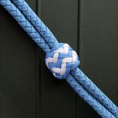 Short dog leash/パラコード,ショートリード,手作り,きれいな色,パイナップルノット,6本編み