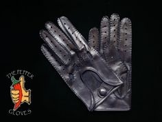 Men's navy lambskin leather driving gloves size 9 - MANUAL SEWING #ThePepperGloves #DrivingGloves Lambskin Leather, Leather Men, Leather Driving Gloves, Men's Collection, Manual, Navy, Sewing, Hale Navy, Dressmaking