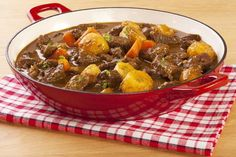 Tastee Recipe Simple Stew Inspired By The Pilgrims, Themselves - Page 2 of 2 - Tastee Recipe - Cholent Recipe, Tastee Recipe, Beef And Potato Stew, Easy Beef Stew, Potato Pie, Apple Recipes, Meat Recipes, Best Casseroles, Hungarian Recipes