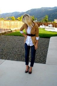 cute and easy work outfit...but with flats for those of us gifted with height