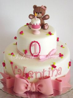 little bear cake - by sonhosdeencantar @ CakesDecor.com - cake decorating website