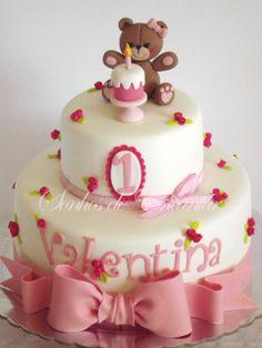 little bear cake - by sonhosdeencantar @ CakesDecor.com - cake decorating website