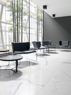 XLIGHT Premium Kala White - #URBATEK #PORCELANOSA - Gres porcelánico de fino espesor #precious #stones #marble #porcelain #tile #porcelaintiles #floors #ceramics #design #architecture #white #interiors #minimalism #minimal #stairs #modern #lines #home #living #laminate #polished #blackandwhite