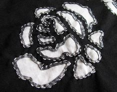 Close up of a reverse applique rose on my Alabama Stitch skirt. Sewing Hacks, Sewing Crafts, Sewing Projects, Embroidery Fashion, Embroidery Applique, Applique Designs, Embroidery Designs, Alabama, Fabric Embellishment