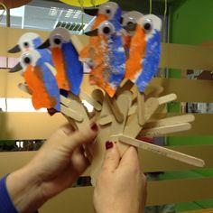 Αλκυόνη Cinnamon Sticks, Parrot, Bird, Education, Winter, Crafts, Animals, Parrot Bird, Winter Time