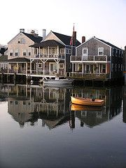 oh I want to see the east coast Nantucket Style, Nantucket Island, Ocean Front Homes, Beautiful Places To Travel, Amazing Places, Beach Pictures, Coastal Pictures, Coastal Living, Cape Cod