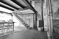 Pormenor da escada de acesso à sala de estar (De Casa do Páteo)