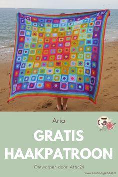 Gratis Nederlandse vertaling van de Aria deken van Attic24, gehaakt met Stylecraft Special DK, schitterend haakproject. Geschikt voor beginners door de vele foto's. Laat je verrassen door je eigen talenten en maak deze prachtige eyecatcher voor jouw interieur, of als cadeau, of op de kinderkamer. Het haakpatroon staat op de website van Een Mooi Gebaar, net als meer dan duizend andere haakpatronen, voor dekens, decoraties, kleding en amigurumi Beach Mat, Outdoor Blanket