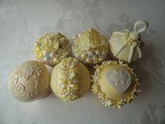 lemon vintage cupcakes