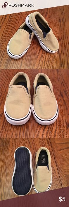 ✨🆕Listing✨Toddler Boy Casual Slip Ons Pre loved and in good condition khaki toddler boy slip ons. Price is firm...🚫No Trades Canyon River Blues Shoes Sneakers