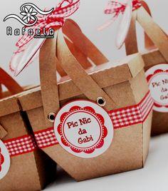 Convite Cesta Pic Nic <br> <br>Supreenda seus convidados com este lindo convite! <br> <br>Acompanha tag em branco para o nome dos convidados; <br> <br>Tag com nome dos convidados já impresso R$ 0,80 cada