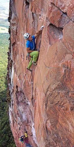 Escalador Selvatico: Rolando Larcher on pitch 10, 7b. Photo by Maurizio Oviglia