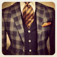 A #classic #plaid #jacket #tie #combination #suit #blazer #americandapper #patterns