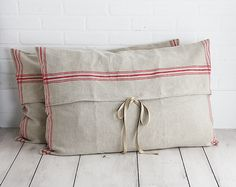 Linen pillow covers-links to making a purchase (no pattern).  Looks pretty doable as a DIY project, though.