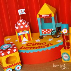 circo | bemtevi Convites e Lembrancinhas Circus Carnival Party, Circus Theme Party, Carnival Birthday Parties, Carnival Themes, Circus Birthday, Birthday Party Themes, First Birthdays, Paper Crafts, Circo Vintage