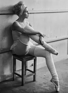 Everyday Starlet: The Fabulously Fit Starlet Workout... fitness for pinups and glamour girls. Ballet like Bardot